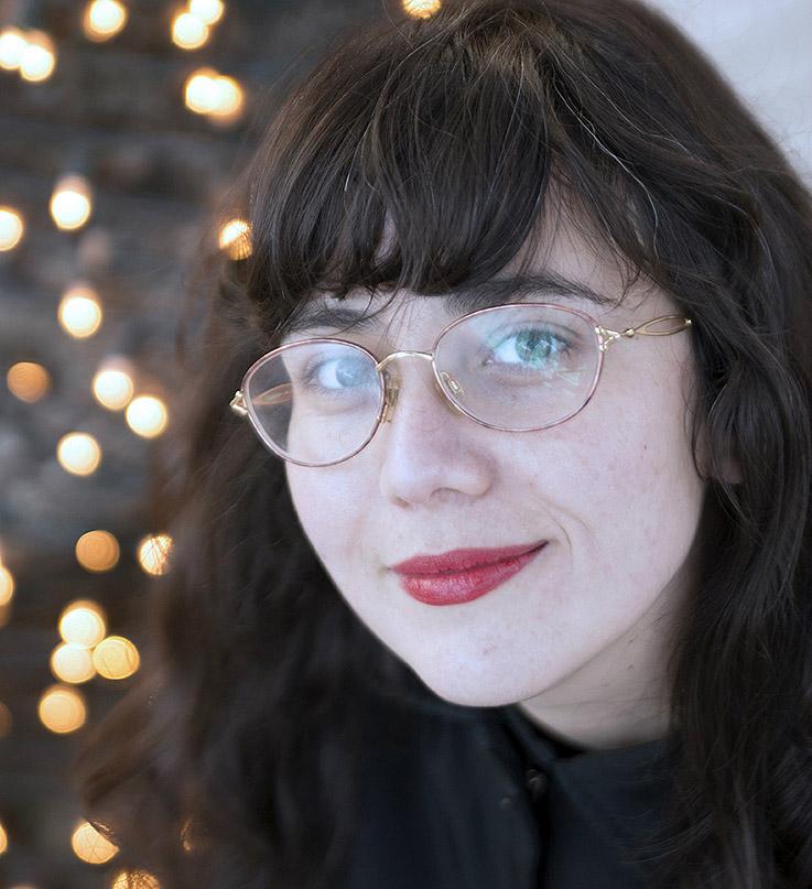Pop, religión y adolescentes Locas. Entrevista a Ana Llurba