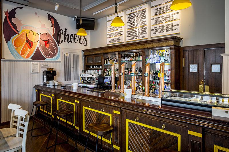 Buddy & Beer: cervezas de Madrid y comida callejera