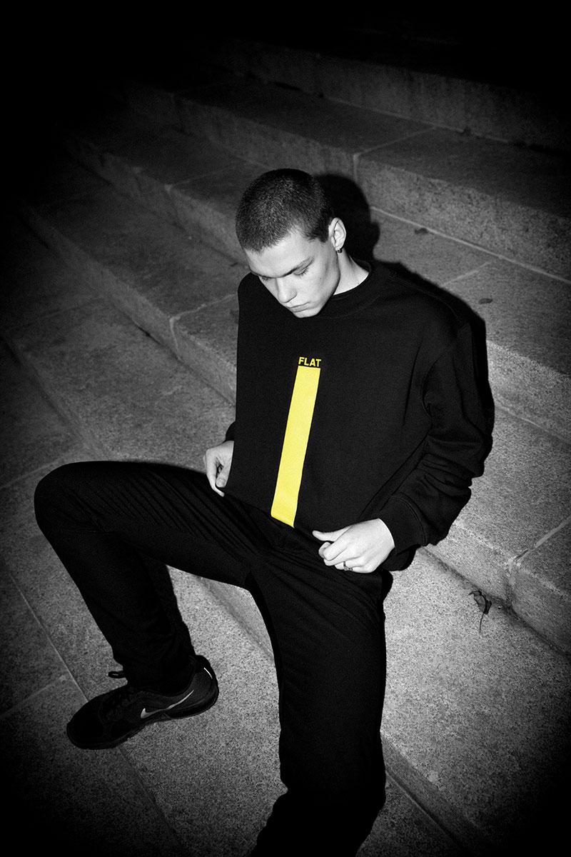 El rapero Erik Urano y la marca Latigo juntos en Flat