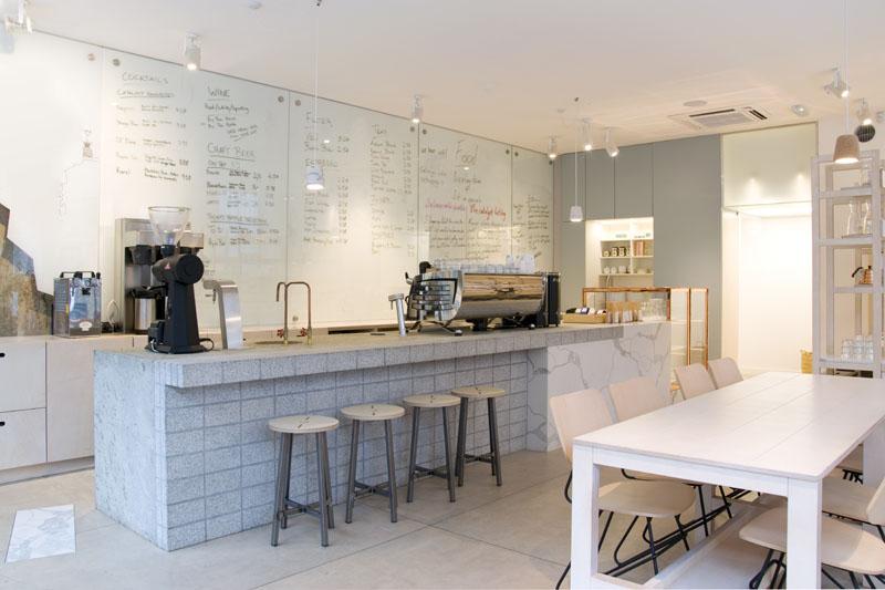 Interiorismo de la cafetería Catalyst por 157 + 173