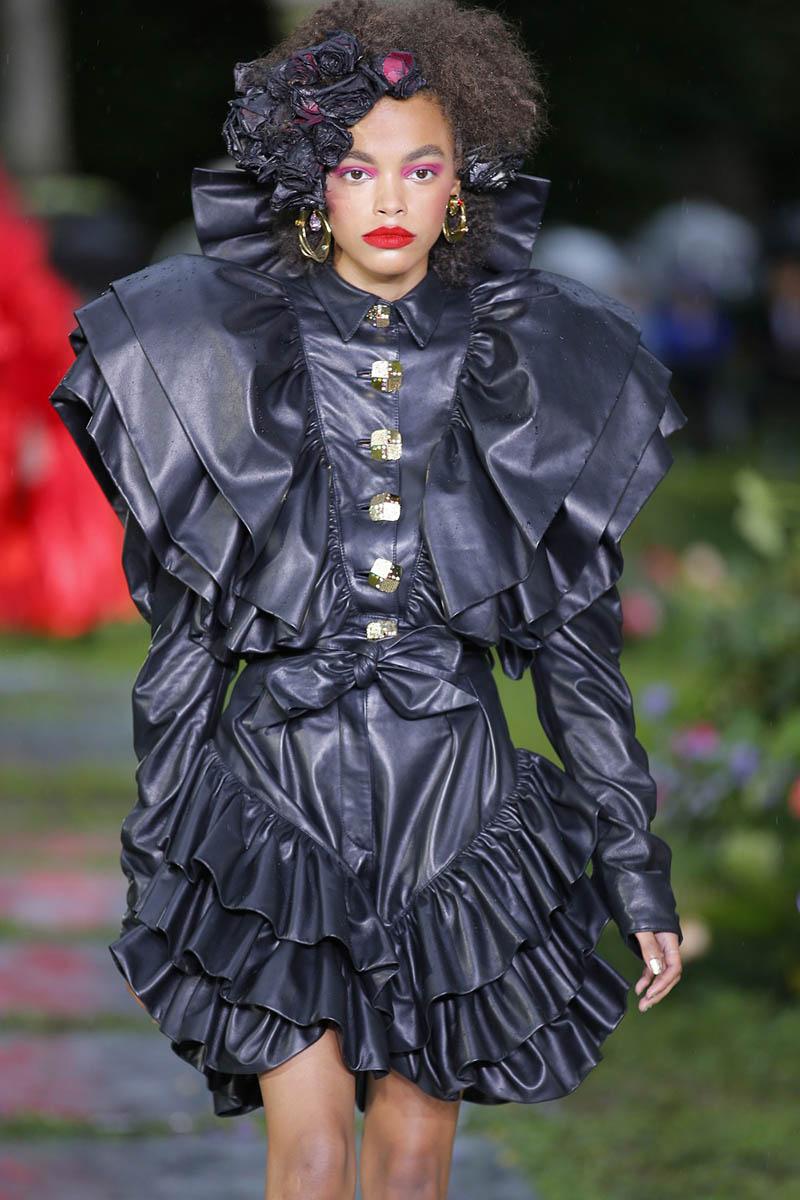 Tendencias en moda para mujer SS19: Cuero negro