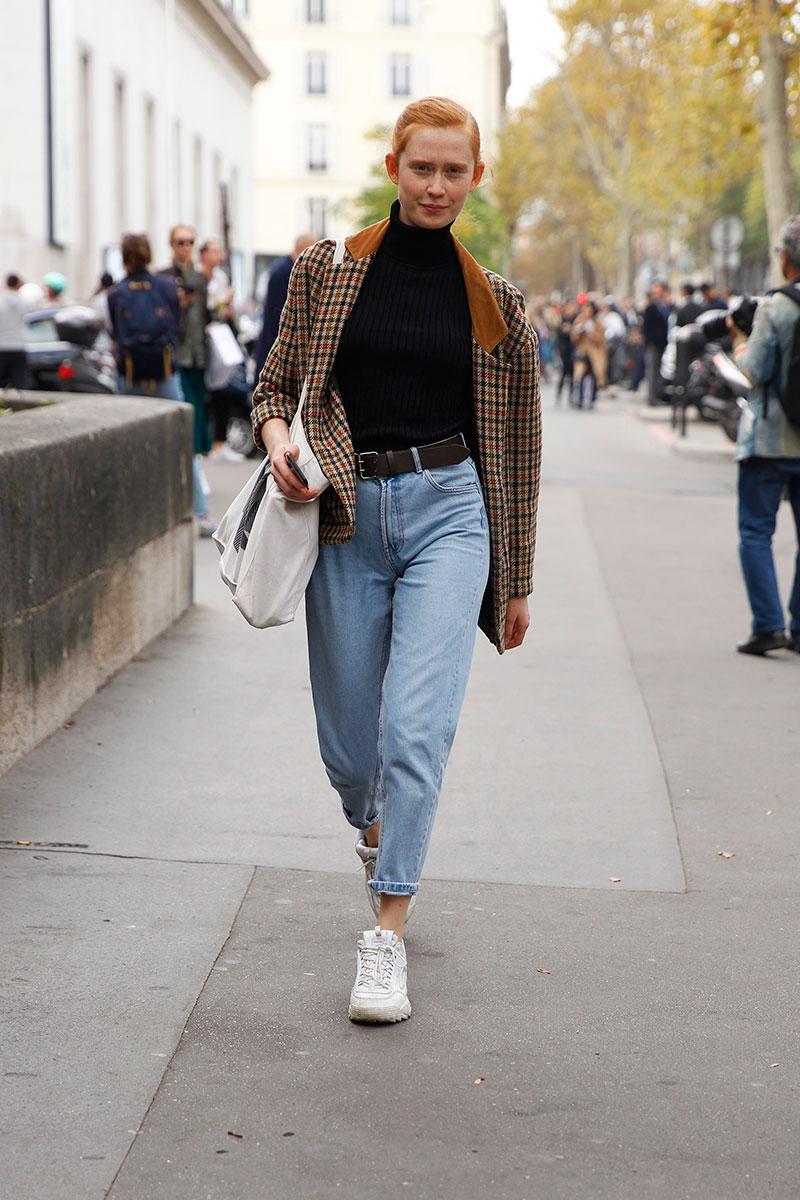 Mujeres Que Apuntan Alto Con Sus Jeans De Tiro Alto Estilismos Street Style