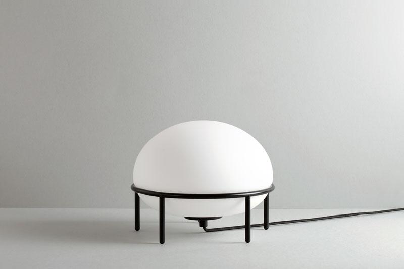 Lámpara Pump diseñada por Kutarq Studio para Woud