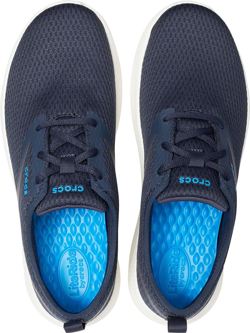 Las zapatillas de deporte que no te esperas son de Crocs