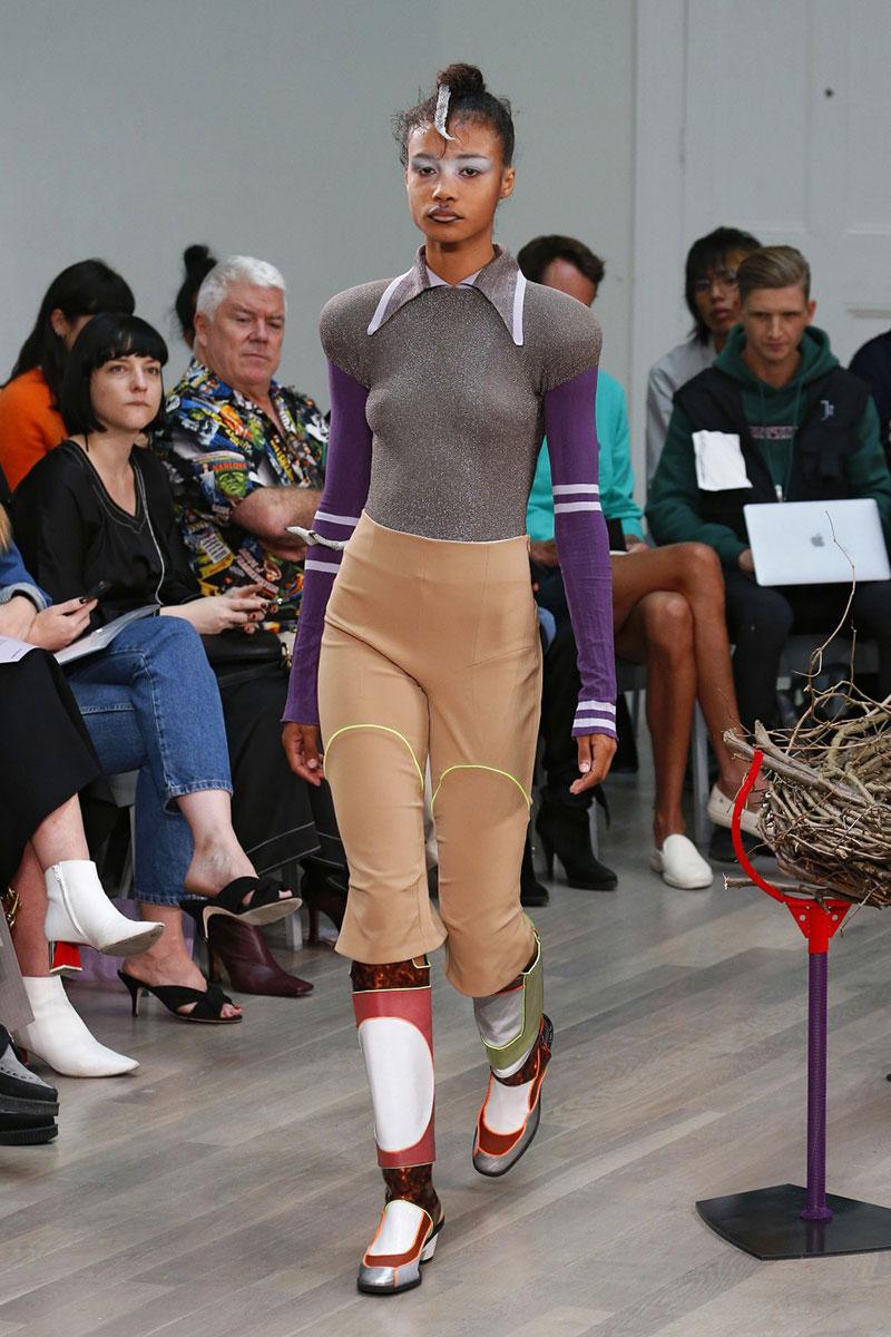 Los primeros zapatos de mujer de Camper x Kiko Kostadinov