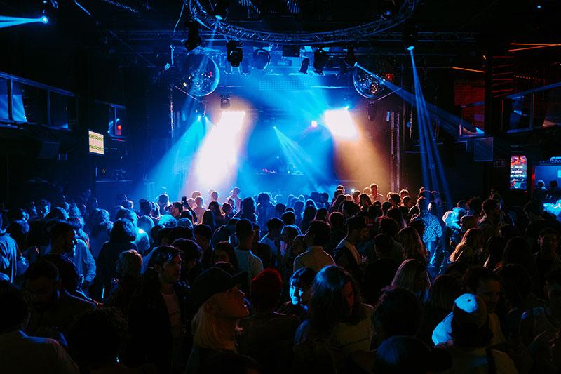 Neo2 On Tour con Sebastian Professional: Black Parties