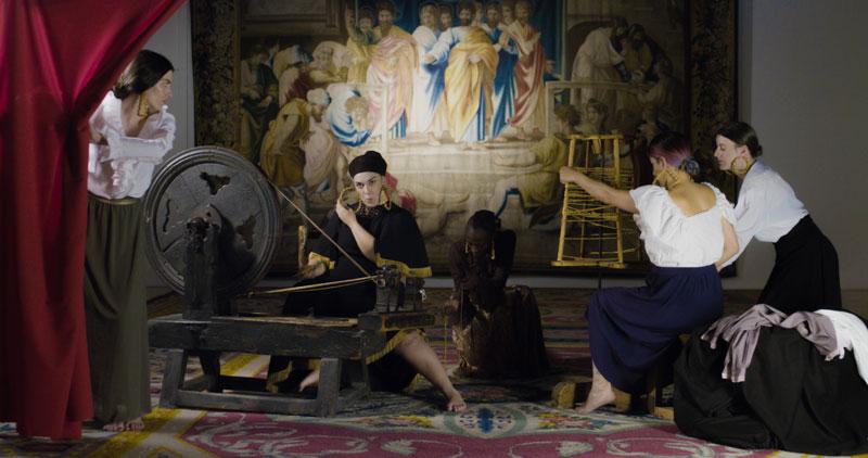 Lapili recrea 'Las Hilanderas' de Velázquez en su vídeo