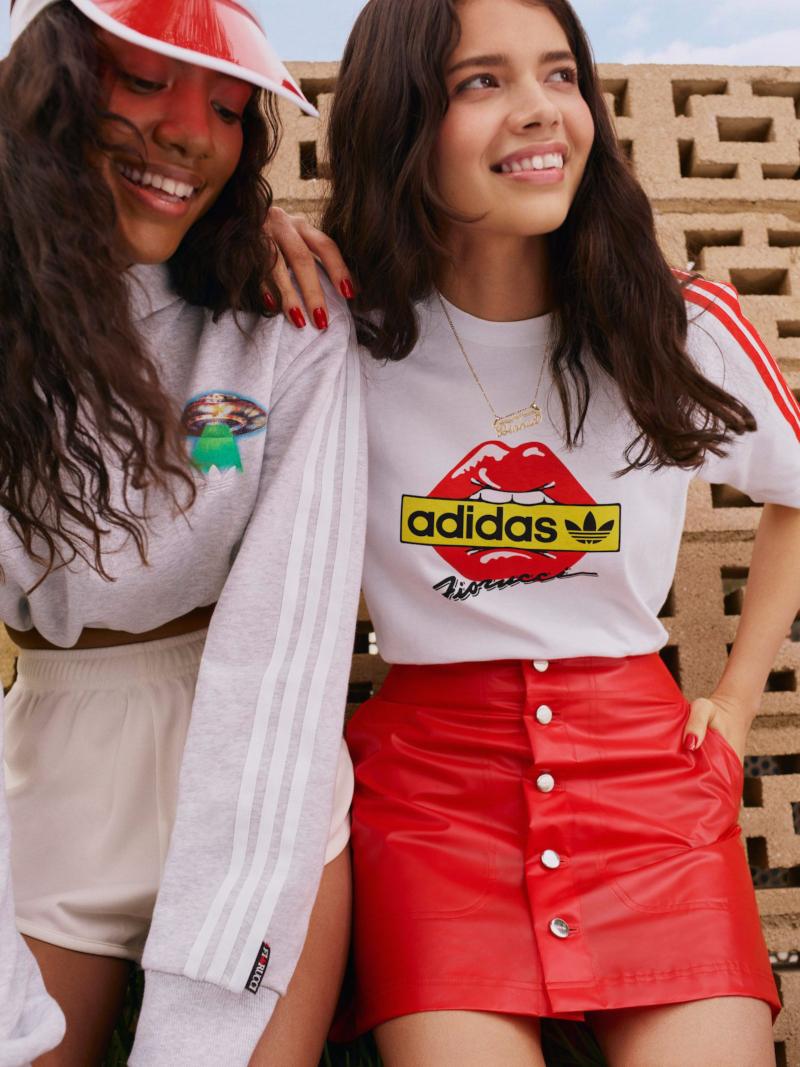 Chicas, volvemos a los 80 con Fiorucci x Adidas