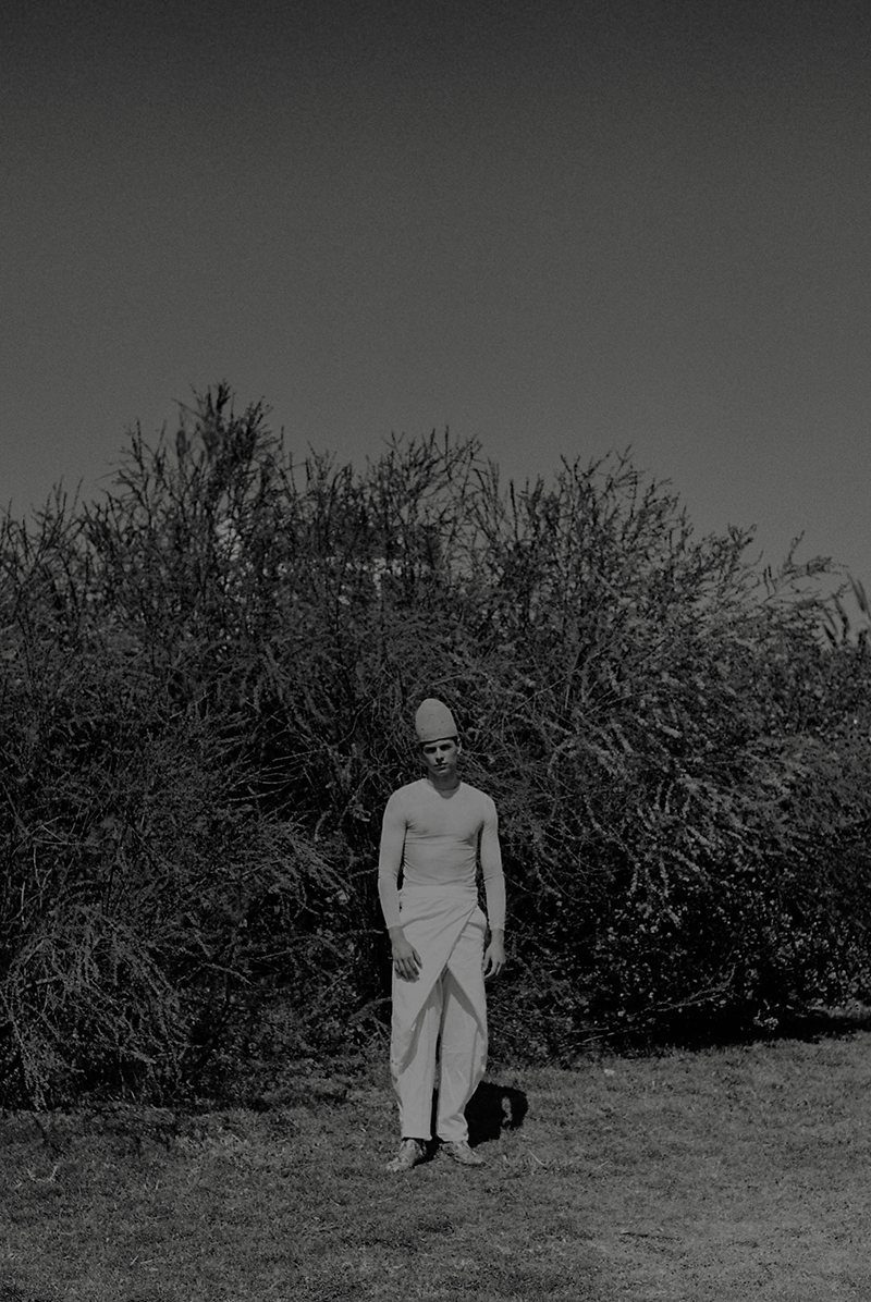 New God. Nueva editorial para chico por Samuel Puyol