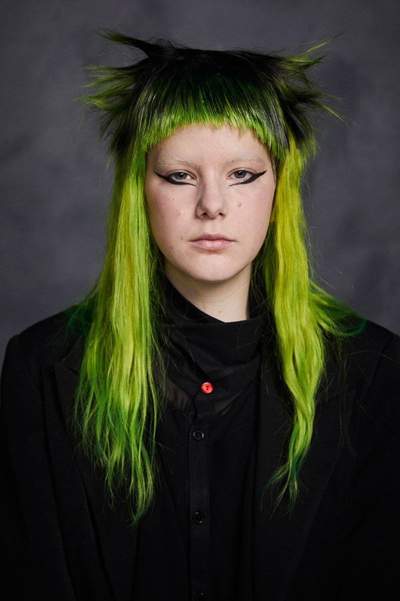 Salon44 homenajea la peluquería punk en su nueva colección