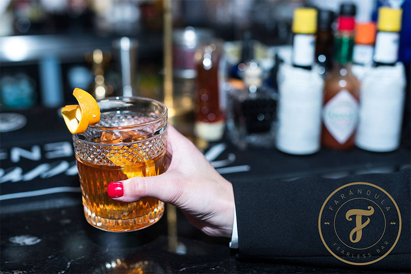 Farándula Bar: cócteles y picoteo sin miedo en Madrid