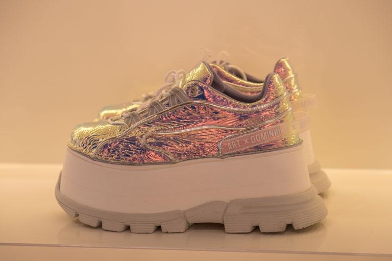 Las sneakers ''con altura'' de Art x Dominnico