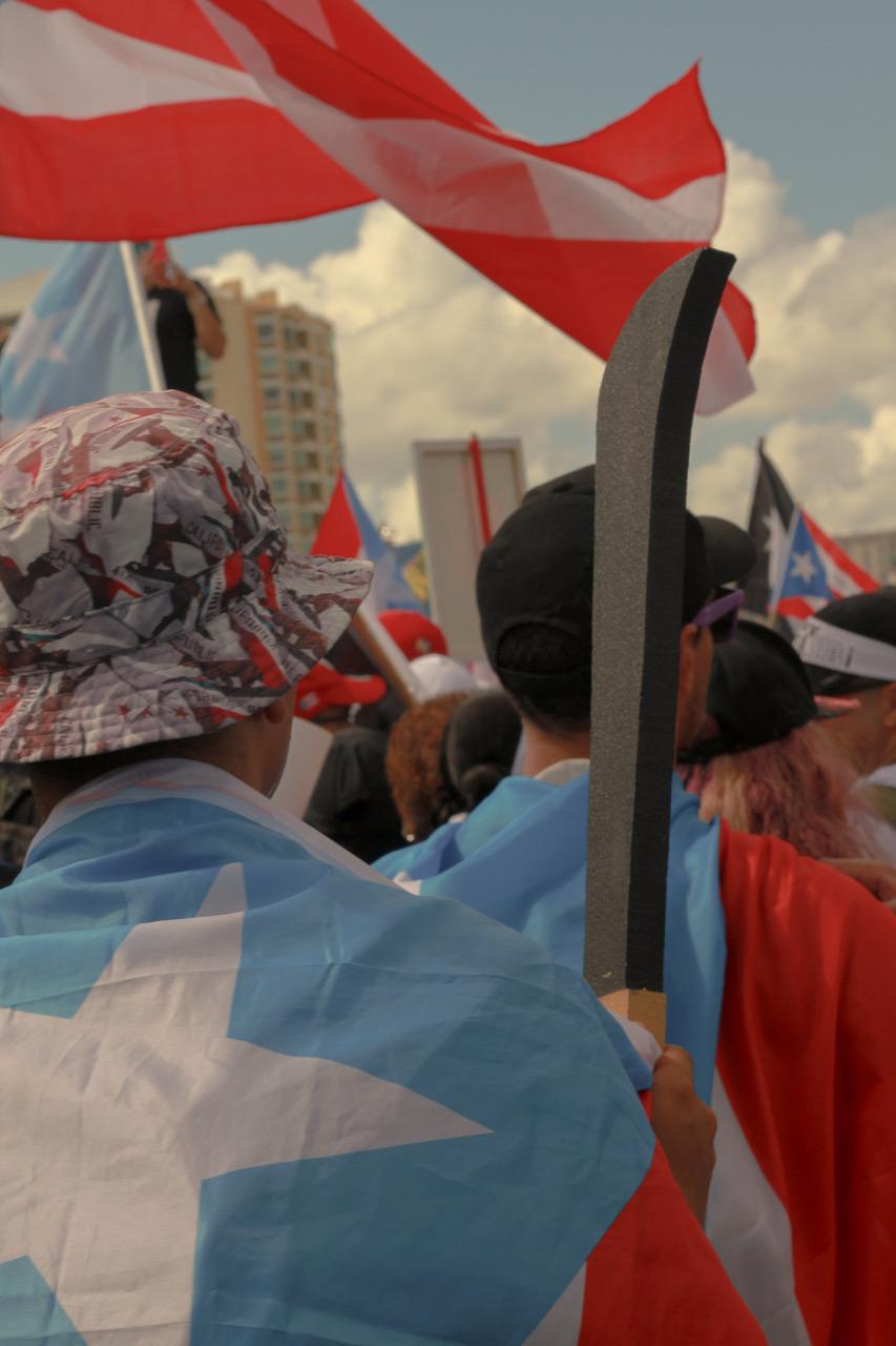 Puerto Rico bota a Ricky Roselló a ritmo de Reguetón