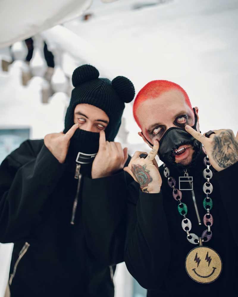 La moda de las face masks conquistan a J Balvin y Bad Bunny