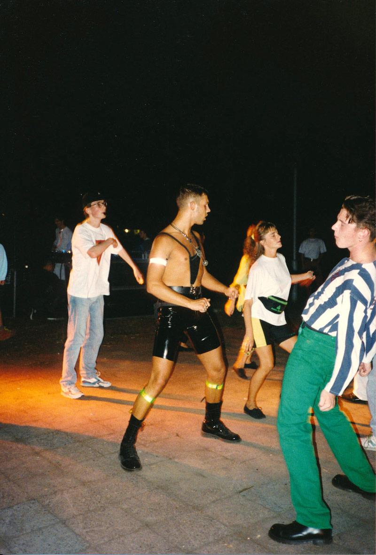 ¡No Fotos en la Pista de Baile! Berlín 1989–2019