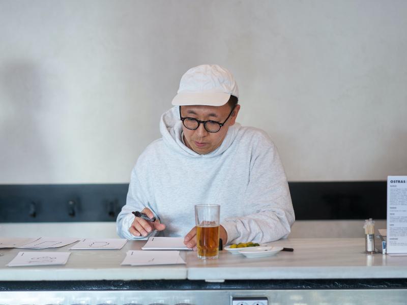 Masanao Hirayama pinta libremente Ostras Pedrín Chamberí