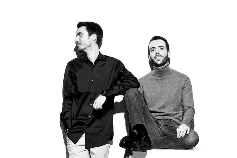 Sin novedad: hablamos con sus creadores, Miguel y Javier