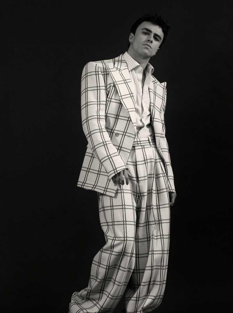 Itzan Escamilla, ¿le imaginas interpretando a James Dean?