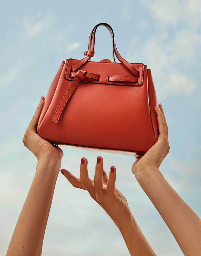 Los bolsos de Loewe que queremos que nos regalen en Navidad