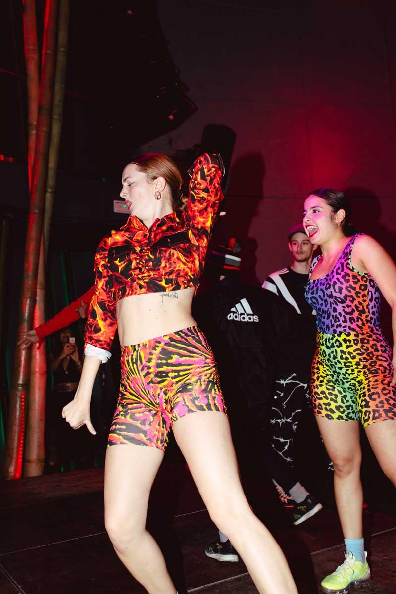 Zalando arrasó bailando en la fiesta de Neo2