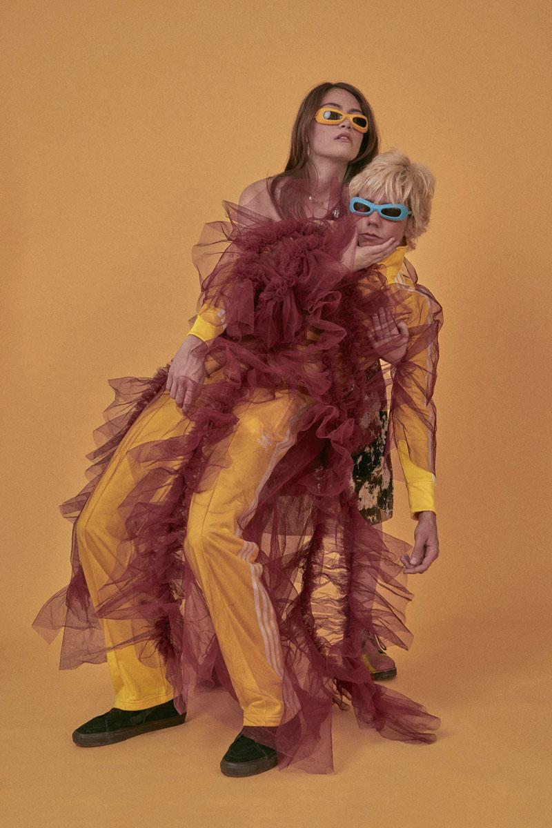 Toni D nos sorprende como modelo con Manon Lefebvre Castro