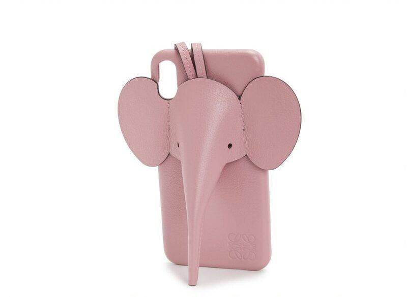 El accesorio de la temporada: funda Elephant de Loewe