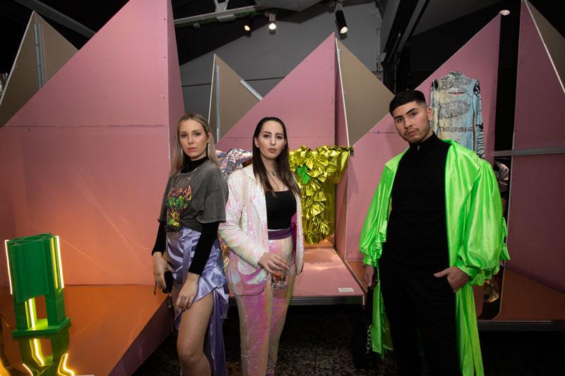 Fiesta y Exposición por partida doble en Neo2 Home