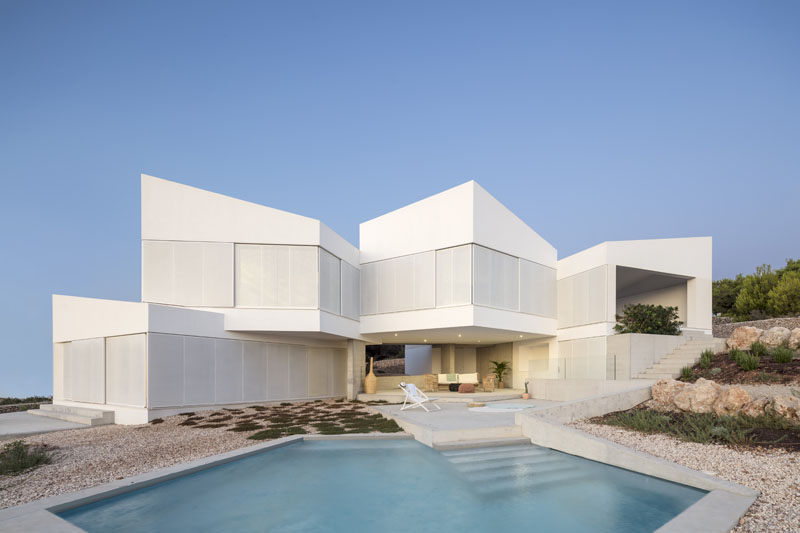 Bridge House: Casa mirando al mar en Menorca by Nomo Studio