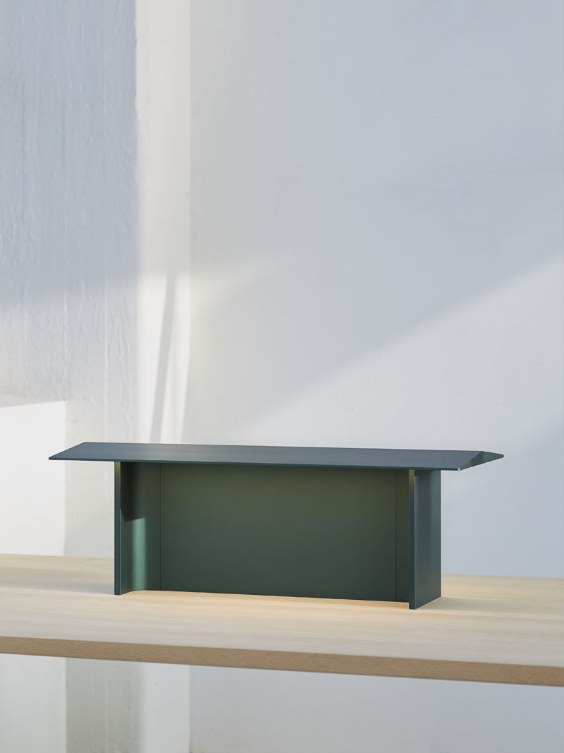 Lámpara Fienile un diseño de Daniel Rybakken para Luceplan