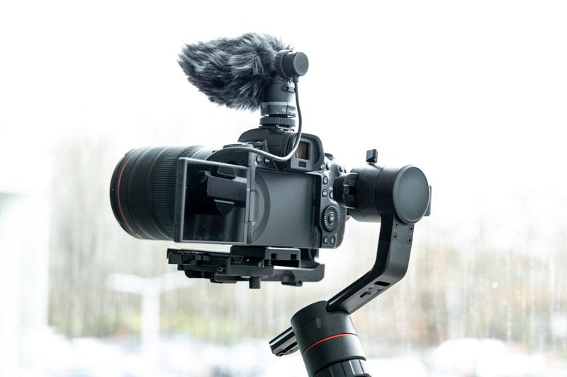 Polémica sobre la nueva cámara full frame  EOS R5 de Canon