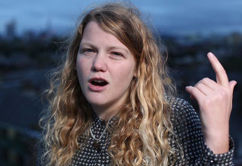 Kate Tempest lucha contra el coronarivus