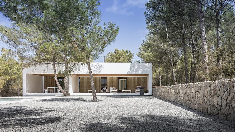Ca L'amo: la casa sostenible de Marià Castelló en Ibiza