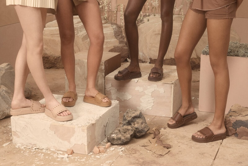 Christian Louboutin te anima a desnudar tus pies