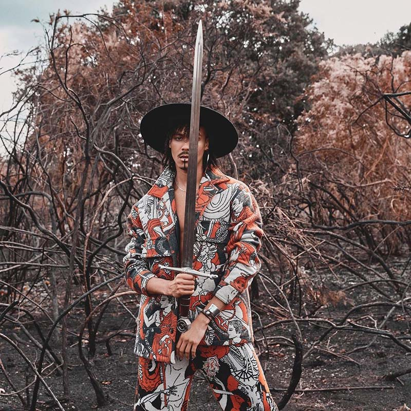 Andro, vocalista de Jungle presenta proyecto en solitario