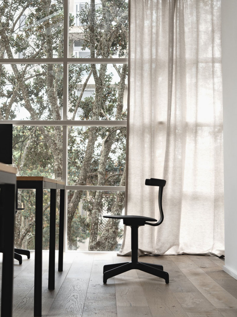 Silla Jiro: Simplicidad de una silla híbrida (casa-oficina)