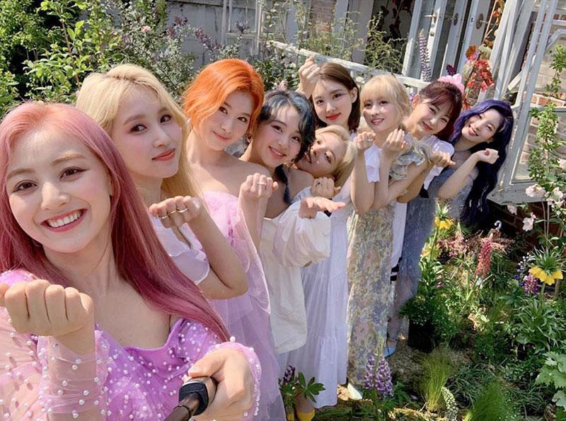 Twice, el girl group coreano, quiere More & More