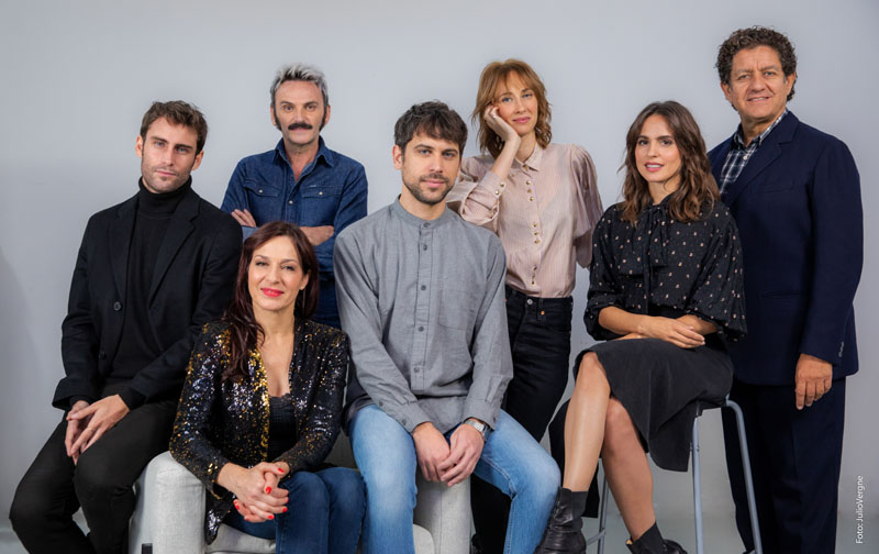 Explota explota, la comedia a ritmo de Raffaella Carrà