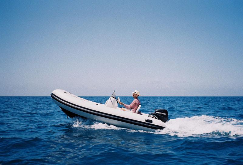 Rels B pasa su Verano en Mallorca con el culo al aire