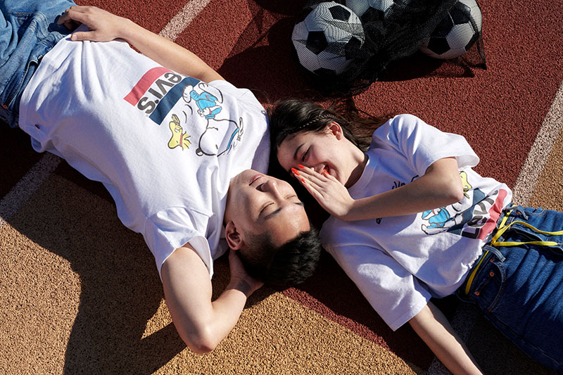 Practica deporte este verano con Levi's y Snoopy