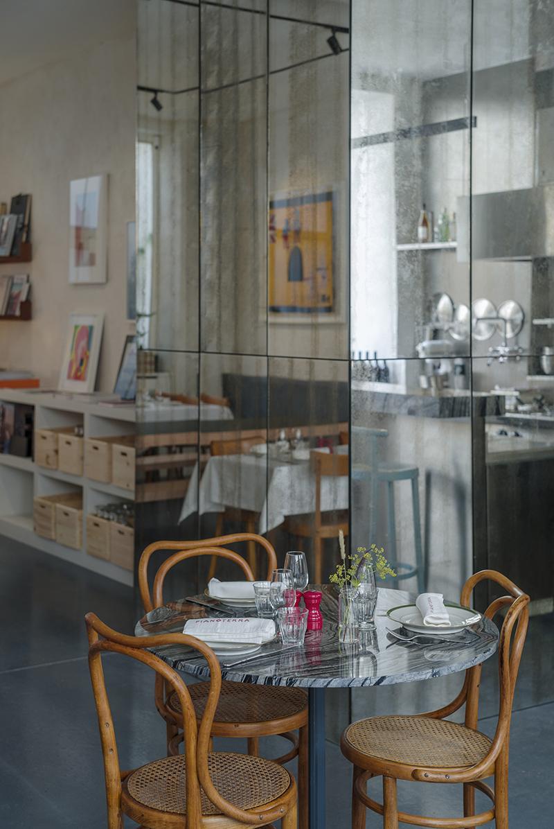 Pianoterra, el restaurante italiano de LAN Architecture