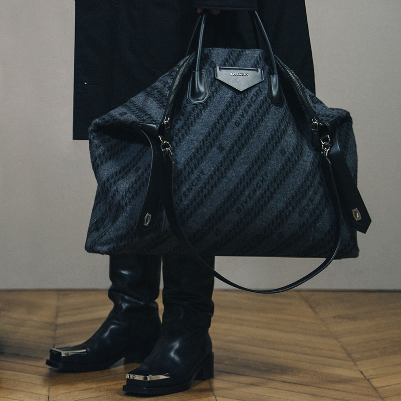 La versión masculina del Antigona Soft de Givenchy