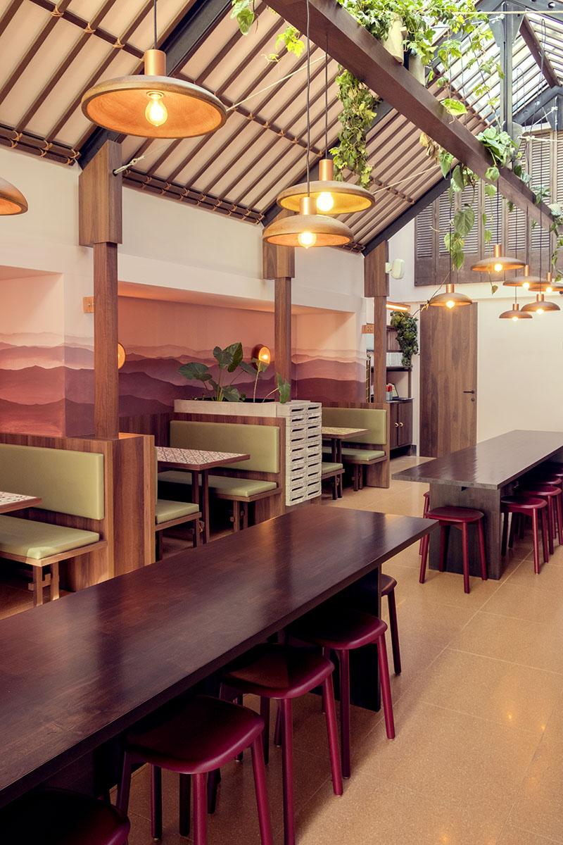 Colorista reforma de restaurante por WeWantMore