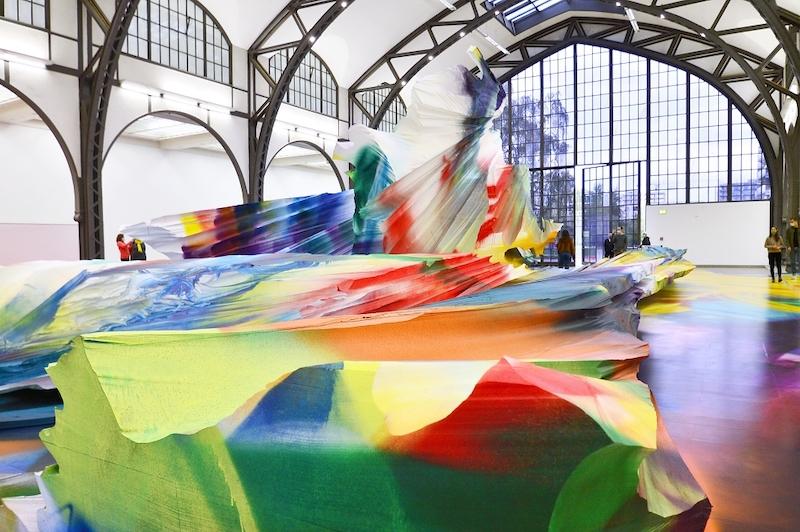 La pintura multidimensional y expansiva de Katharina Grosse