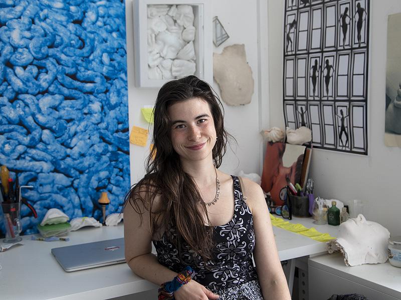 Entrevista a Loreal Prystaj, selfies del ecofeminismo