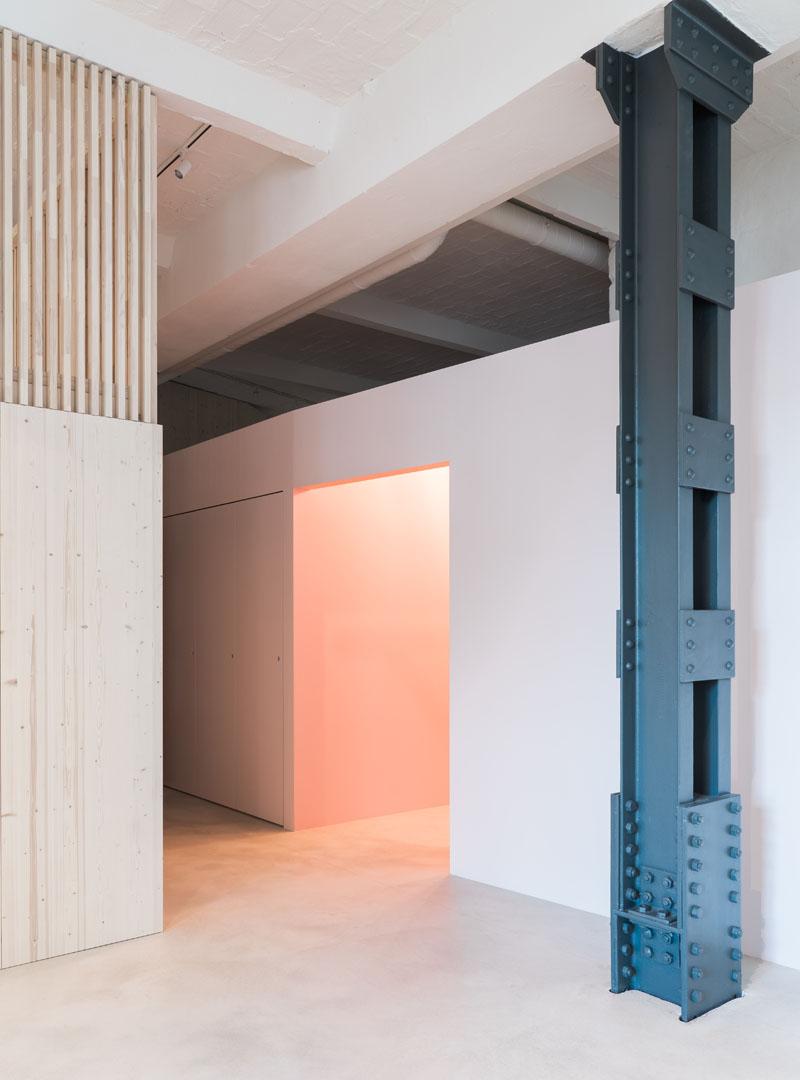 Un loft familiar en Berlín por Batek Architekten