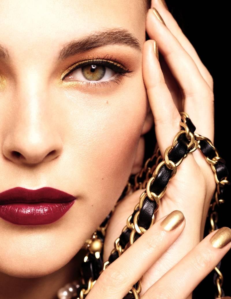 Chanel Holiday Collection 2020 brilla más que nunca