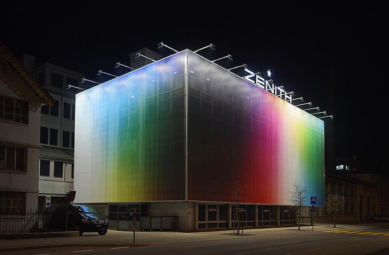 Felipe Pantone transforma un edificio de la relojera Zenith