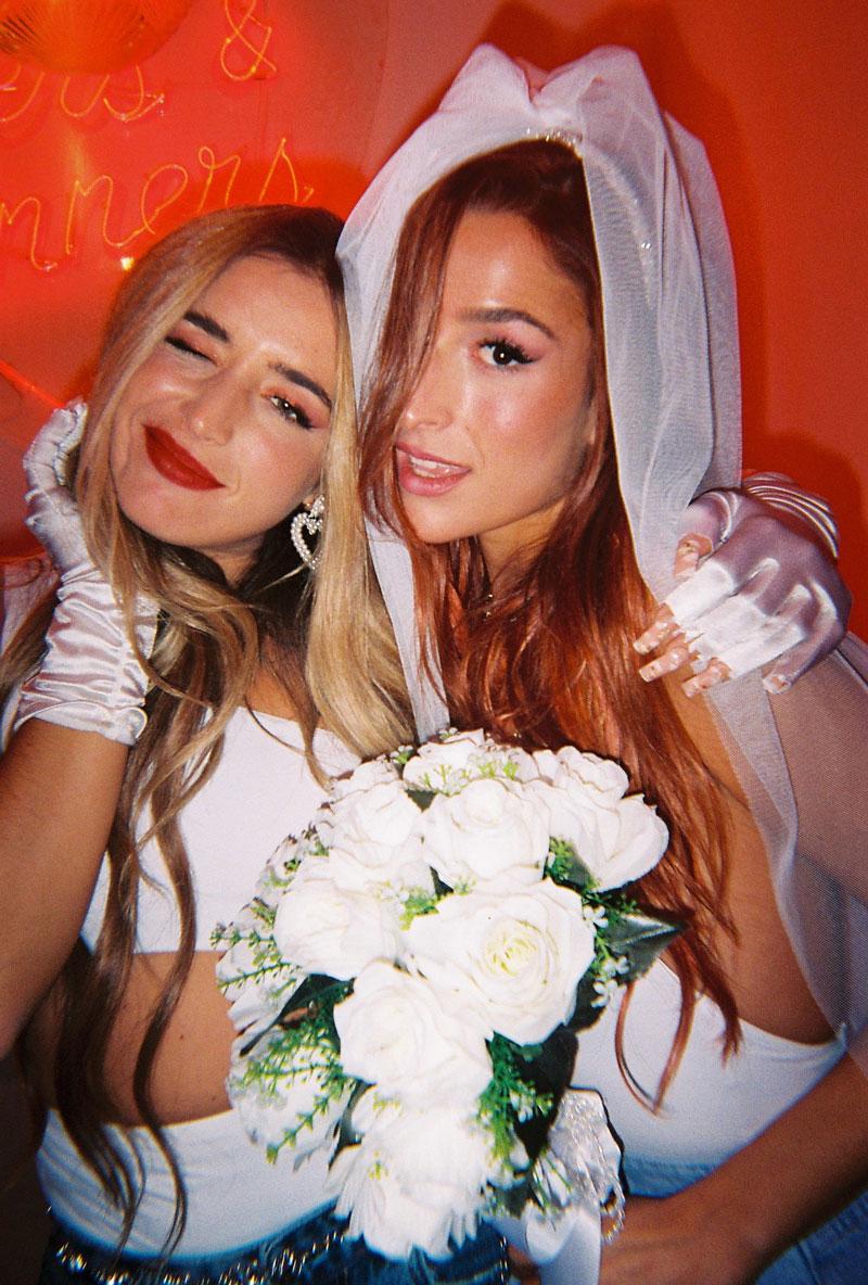 Belén Aguilera y Lola Índigo dan las claves de La Tirita