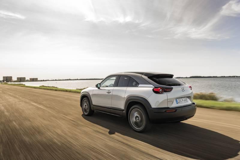 Mazda eléctrico MX-30: la fusión orgánica con el entorno