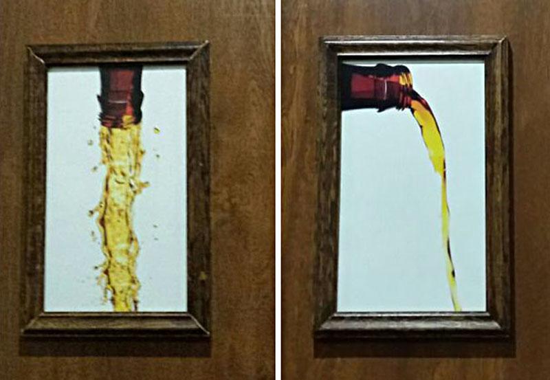 Presente y futuro en los carteles de los cuartos de baño